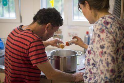 Bénévoles - préparer un repas